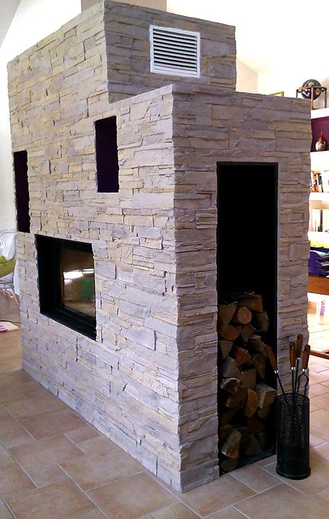 chimenea con paneles de piedra oldstones